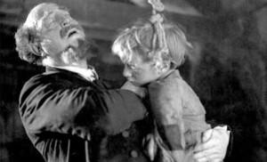 Robert Lynen et Harry Baur dans Poil de carotte, porté au cinéma par Julien Duvivier en 1932.