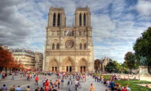 Kiss-in contre l'homophobie : sus à Notre-Dame !