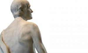 Statue de Voltaire nu, vue de dos