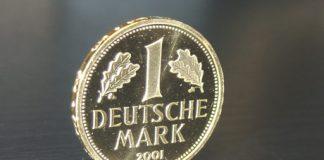 Pièce d'1 deutsche mark en or, frappée en 2001.