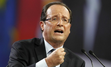 Hollande déchire sa race