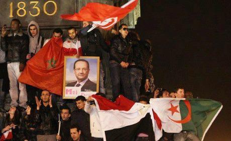 Beaucoup de drapeaux à la Bastille, mais pas tous tricolores