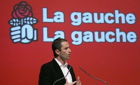 Benoît Hamon n'a pas démissionné, mais la gauche du PS refuse de la fermer