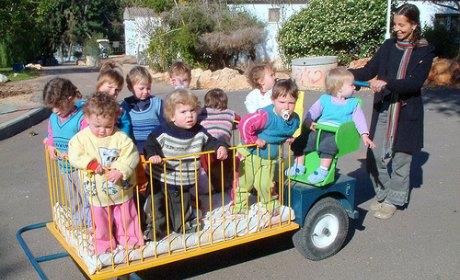 En Israël, des kibboutz séparaient enfants et parents