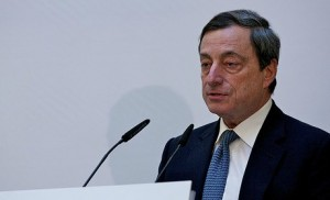 Mario Draghi dirige la BCE pour sauver l'euro