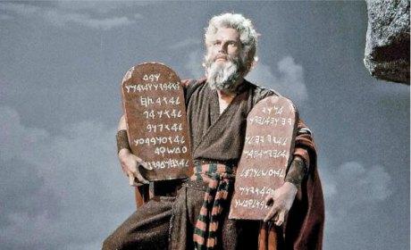 Contre les tyrans, la Bible