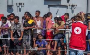 migrants passeurs cazeneuve