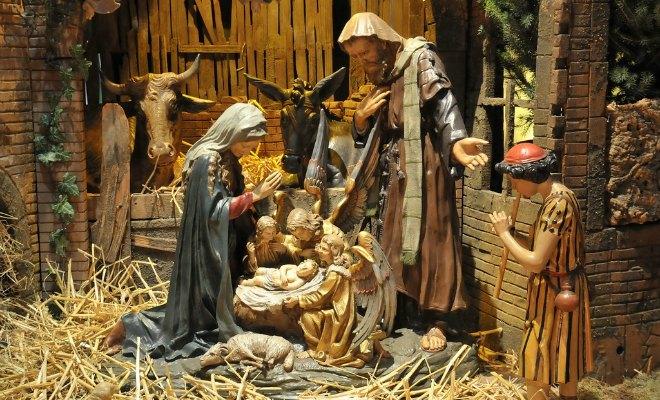 Santons et crèches de Noël  Creche-noel-baroin-eglise