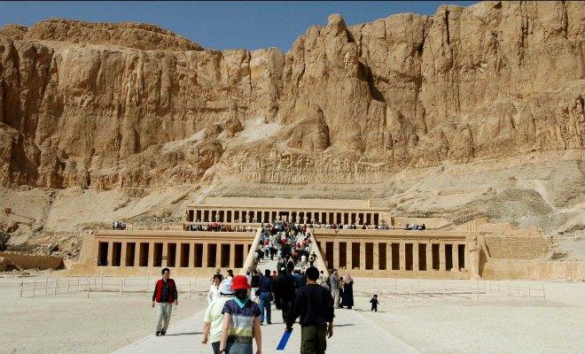 nefertiti tourisme egypte daech