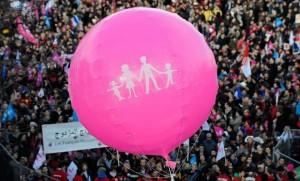 La Manif pour tous, à Paris, en février 2014 (Photo : SIPA.00674864_000068)