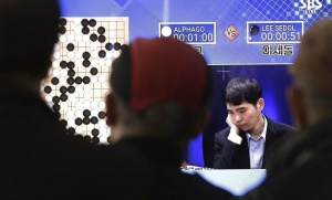 Retransmission télévisuelle du match entre AlphaGo et Lee Sedol, le 15 mars dernier (Photo : SIPA.AP21871158_000010)