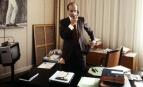 Alain Juppé dans son bureau de l'Hôtel de ville de Paris, en mars 1986 (Photo : GEORGES BENDRIHEM)
