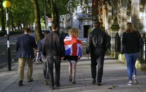 Des partisans du Brexit, au lendemain du vote, dans une rue de Londres (Photo : SIPA.AP21913876_000029)