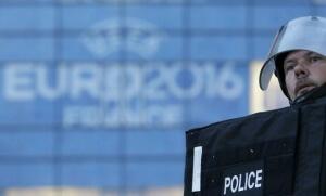 Un policier lors d'un exercice au stade de Lyon (Photo : SIPA.00758318_000008)