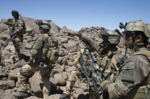 Des soldats français patrouillant au Nord du Mali en 2013 (Photo : 00654899_000018)