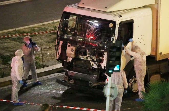 Attentat de Nice: 84 morts dont 10 enfants et adolescents