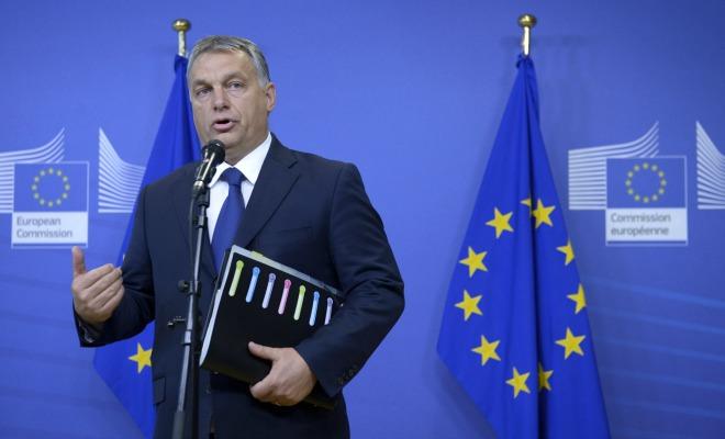 Hongrie: Orban joue la carte de l'immigration