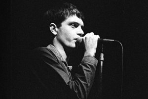 Ian Curtis, le chanteur de Joy Division (Photo : SIPA.REX40268485_000088)