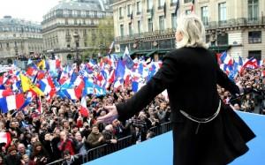 Marine Le Pen fait face à ses militants, mai 2013. SIPA. 00656799_000019