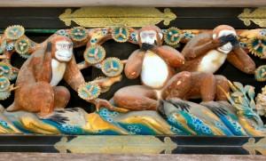 Les trois singes de la sagesse, au Japon. MichaelMaggs, Wikimedia.