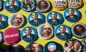 Badges à l'effigie de Barack Obama, novembre 2008. SIPA. 00570084_000005