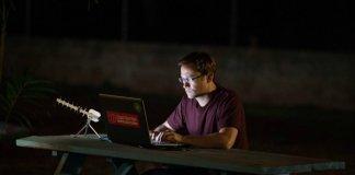 Snowden Oliver Stone