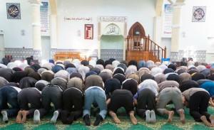 Prière à la mosquée de Villefontaine, juin 2015. SIPA. 00717050_000006