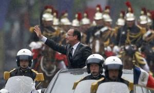 François Hollande sur les Champs-Elysées, mai 2012. SIPA. AP21222050_000112