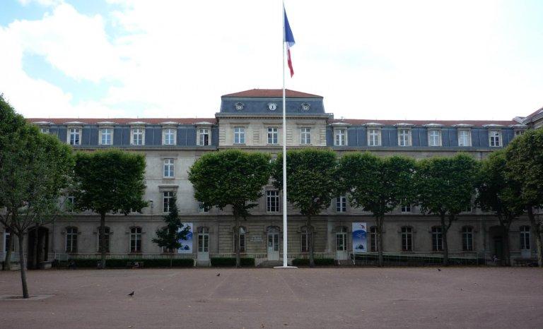 Guerre en Syrie: l'université française fait une victime