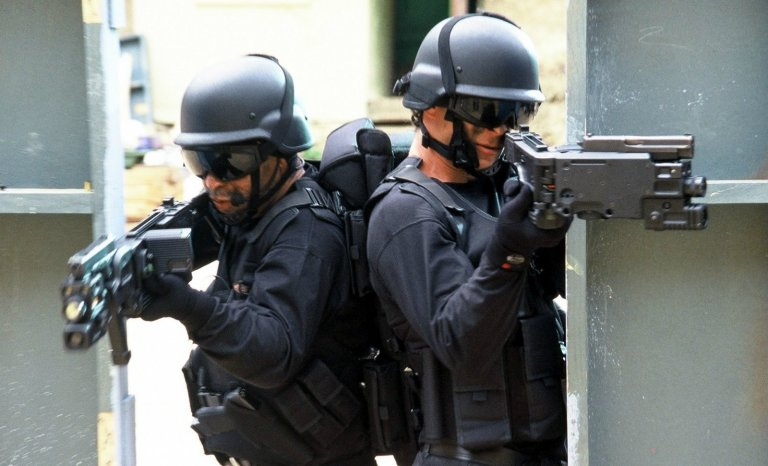Antiterrorisme: faut-il suivre le modèle israélien?