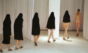 Un défile de mode à Londres en 1997. SIPA. 00313427_000001