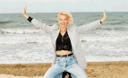 Brigitte Lahaie au festival Epona à Cabourg, octobre 1996. SIPA. 00290532_000004