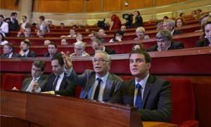 Manuel Valls, François Rebsamen, Benoît Hamon et Arnaud Montebourg à l'Assemblée nationale, Paris, juillet 2014. SIPA. 00687987_000023
