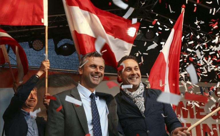 """En Autriche, le FPÖ veut interdire """"l'islam fasciste"""""""