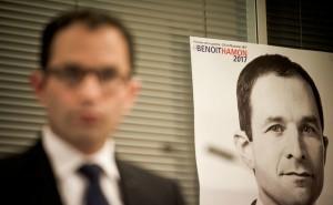Benoit Hamon et son affiche de campagne, janvier 2017. SIPA. 00788011_000004