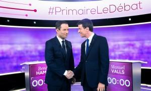 Benoit Hamon et Manuel Valls lors du débat du second tour de la primaire de la gauche, 25 janvier 2017. SIPA. 00790504_000003