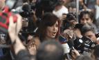 Cristina Kirchner s'adresse aux médias après une audition devant les juges, octobre 2016. SIPA. 00779164_000002