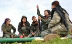 Des combattantes kurdes des Unités de protection du peuple (YPJ), dans la province de Hassaké (nord-est de la Syrie), février 2015.