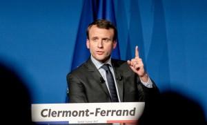 """Emmanuel Macron lors d'un meeting de """"En Marche"""" à Clermont-Ferrand, janvier 2017. SIPA. 00787596_000006"""