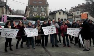 """Rassemblement """"laïque"""" contre la tenue d'une """"conférence contre l'islamophobie et la xénophobie"""" à Saint-Denis, dimanche 18 décembre 2016."""