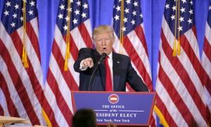 Le président élu Donald Trump invective un journaliste lors d'une conférence de presse à New-York, janvier 2017. SIPA. 00788209_000005
