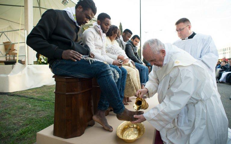 Le pape et les migrants: la messe n'est pas dite