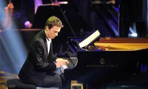 Alexandre Tharaud en concert au Palais des Congrès de Paris, février 2012. SIPA. 00632573_000007
