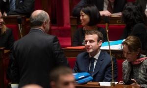 Bruno Le Roux et Emmanuel Macron discutent à l'Assemblée nationale, janvier 2015. SIPA. 00703006_000015