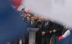 François Fillon et son équipe sur le parvis du Trocadéro à Paris, mars 2017. SIPA. 00796298_000001