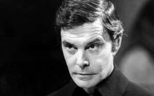 Louis Jourdan dans Dracula, 1977. SIPA. 51430928_000002