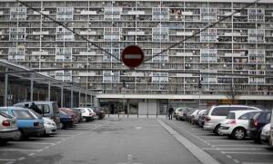 La cité des 4000 de La Courneuve, 2010. SIPA. 00594786_000023
