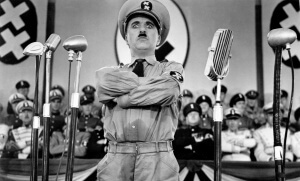 Charlie Chaplin dans Le Dictateur, 1940. SIPA. 00518593_000004