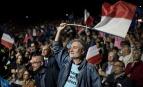 Soutiens d'Emmanuel Macron à Saint-Herblain (Loire-Atlantique), avril 2017. SIPA. 00803000_000025