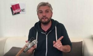"""L'humoriste Pierre-Emmanuel Barré dans la vidéo de sa chronique """"censurée"""" par France Inter"""